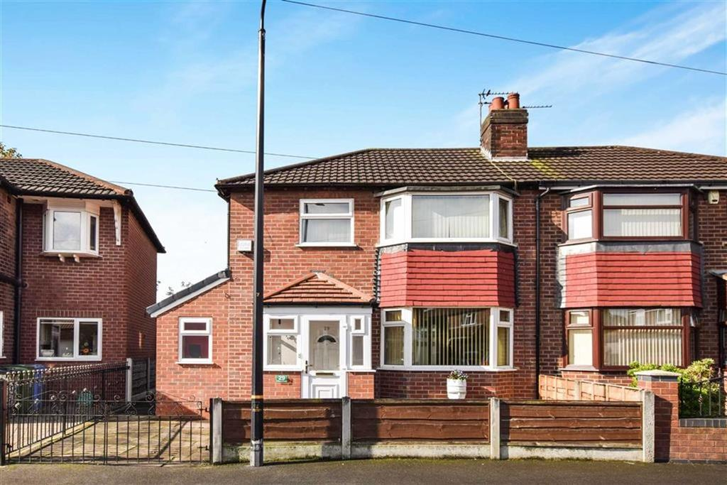 3 Bedrooms Semi Detached House for sale in St Albans Crescent, Altrincham, Cheshire, WA14