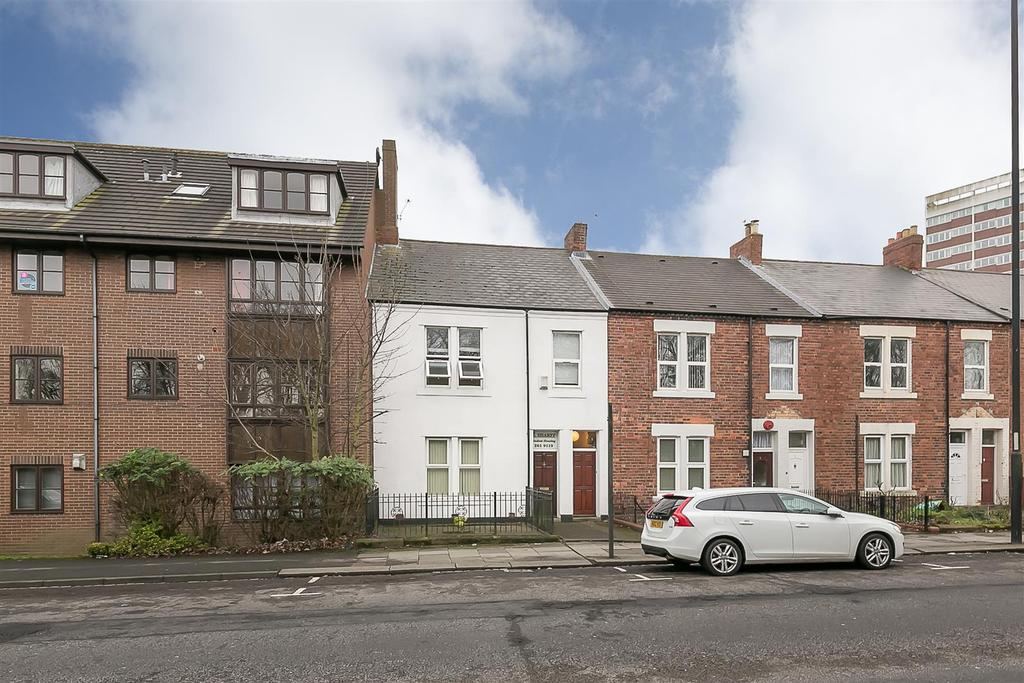 3 Bedrooms Flat for sale in Claremont Road, Spital Tongues, Newcastle upon Tyne