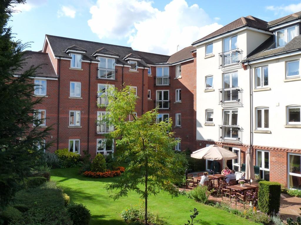 1 Bedroom Retirement Property for sale in Central Edenbridge