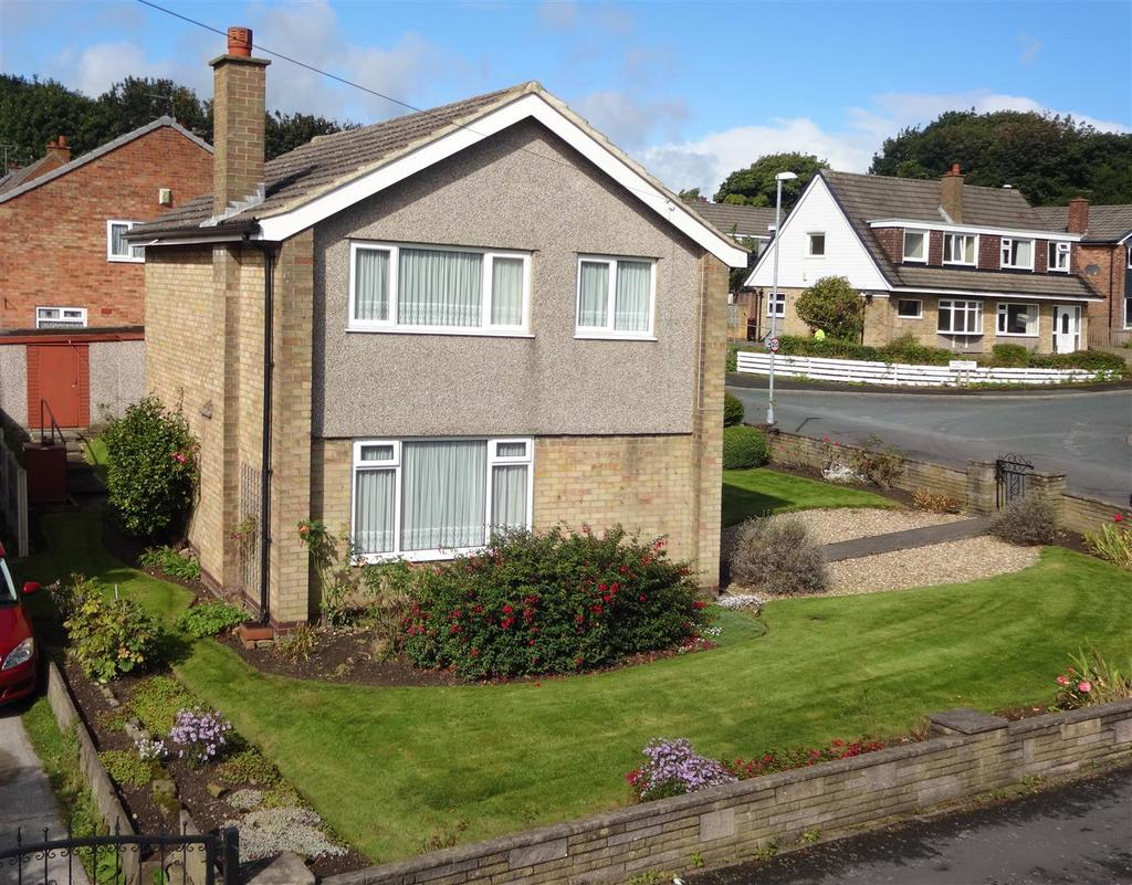 3 Bedrooms Detached House for sale in Holmwood Drive, Meanwood