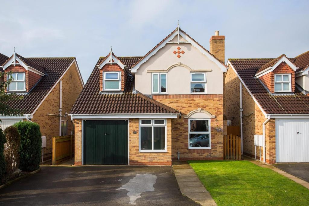 3 Bedrooms Detached House for sale in Dorrington Close, Pocklington, York