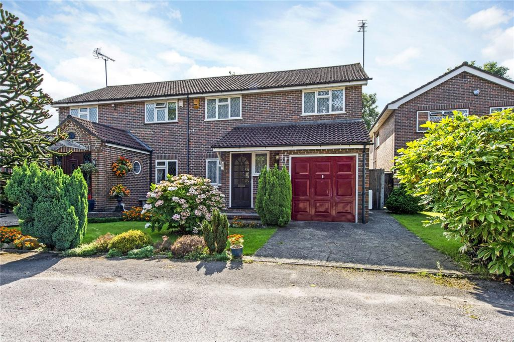 4 Bedrooms Semi Detached House for sale in St Matthews Close, Oxhey, Hertfordshire, WD19