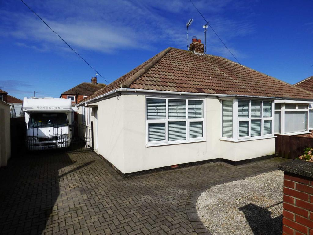 2 Bedrooms Semi Detached Bungalow for sale in Runswick Avenue, Dormanstown