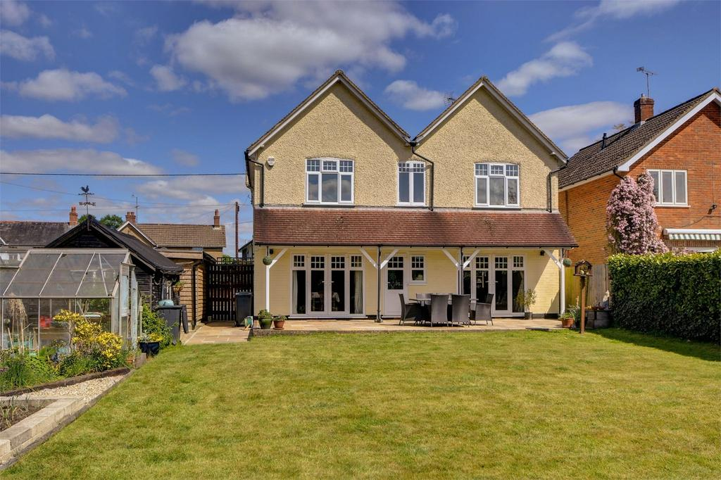 5 Bedrooms Detached House for sale in Headley Road, LIPHOOK, Hampshire