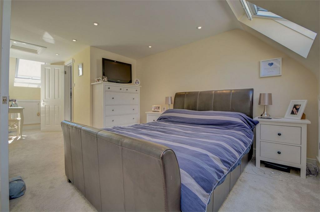3 Bedrooms End Of Terrace House for sale in Hawthorn Way, LINDFORD, Bordon, Hampshire