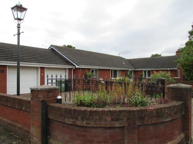 4 Bedrooms Detached Bungalow for sale in ASHFIELD CLOSE, GREATHAM, HARTLEPOOL