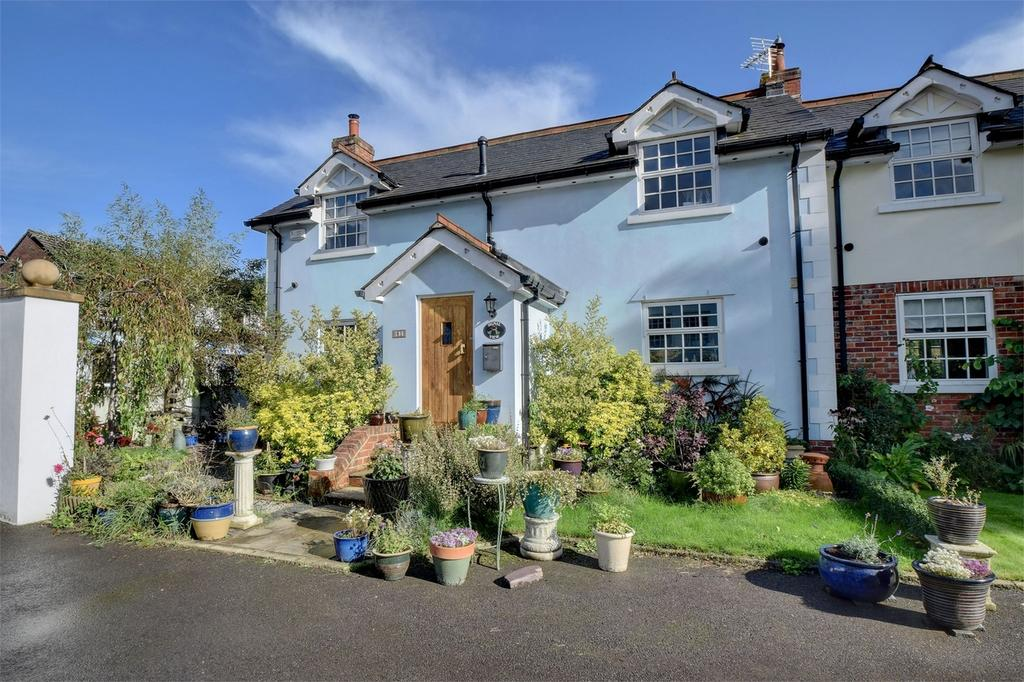 2 Bedrooms Cottage House for sale in Station Road, LISS, Hampshire
