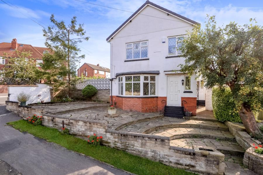 3 Bedrooms Detached House for sale in ROXHOLME AVENUE, LEEDS, LS7 4JF