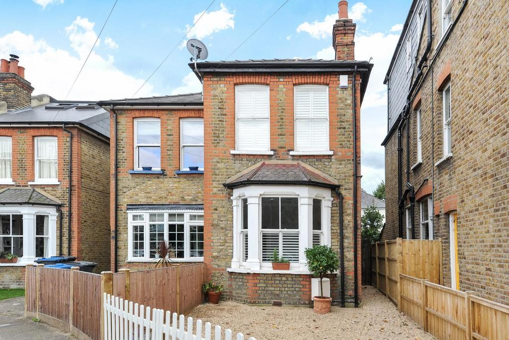 2 Bedrooms Semi Detached House for sale in Rowlls Road, Kingston upon Thames
