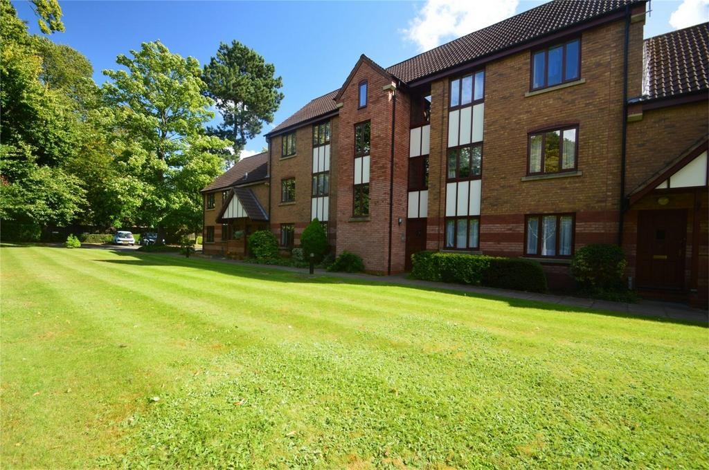 1 Bedroom Flat for sale in Trinity Grange, Kidderminster, Worcestershire