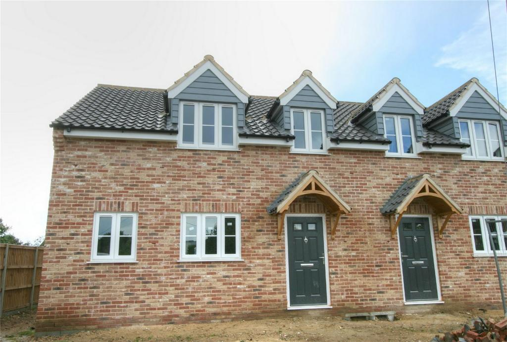 3 Bedrooms Semi Detached House for sale in Attleborough Road, Great Ellingham, NR17 1LG, Norfolk