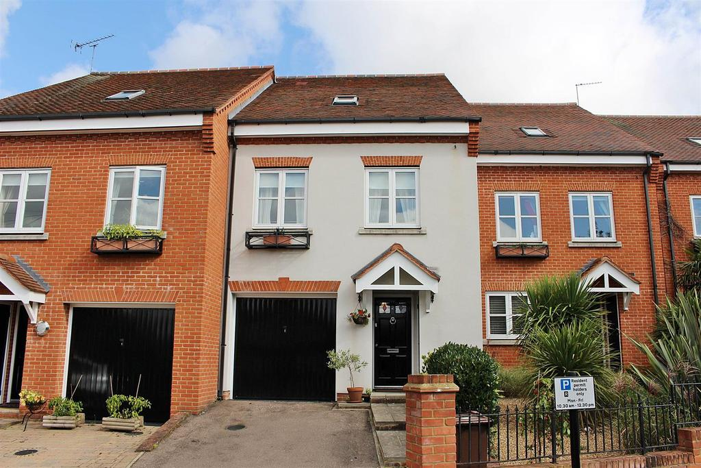 4 Bedrooms Town House for sale in Pegasus Place, St. Albans