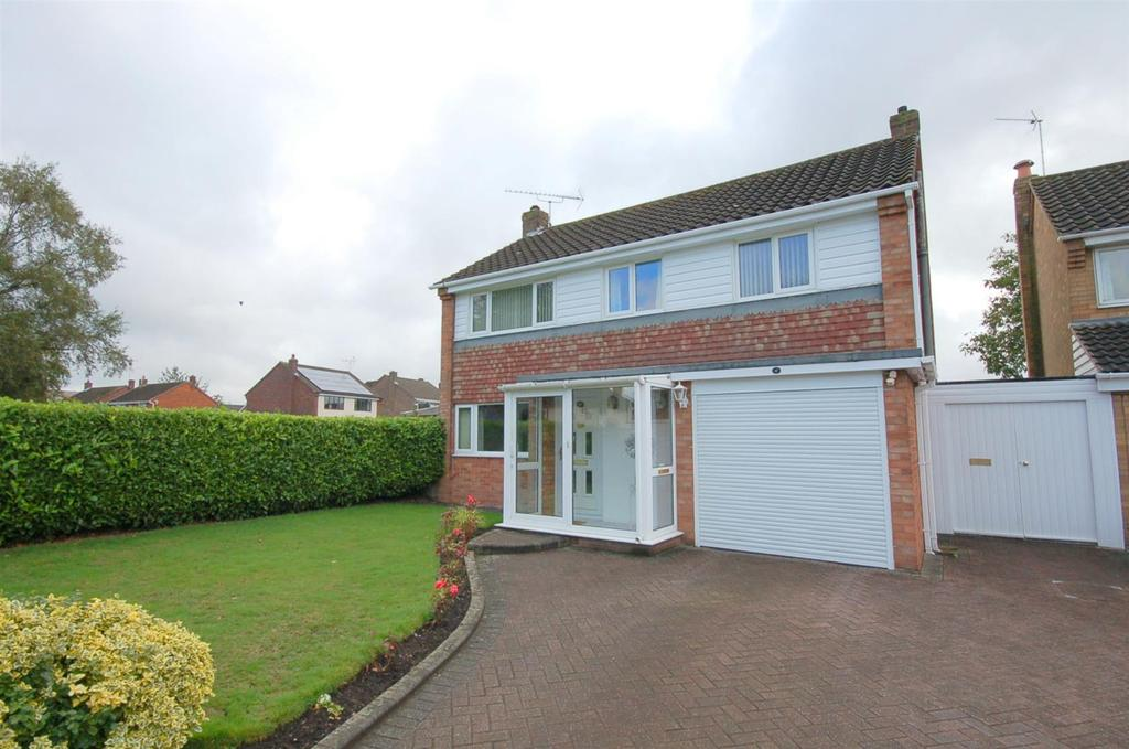 3 Bedrooms Detached House for sale in Caldy Road, Alsager
