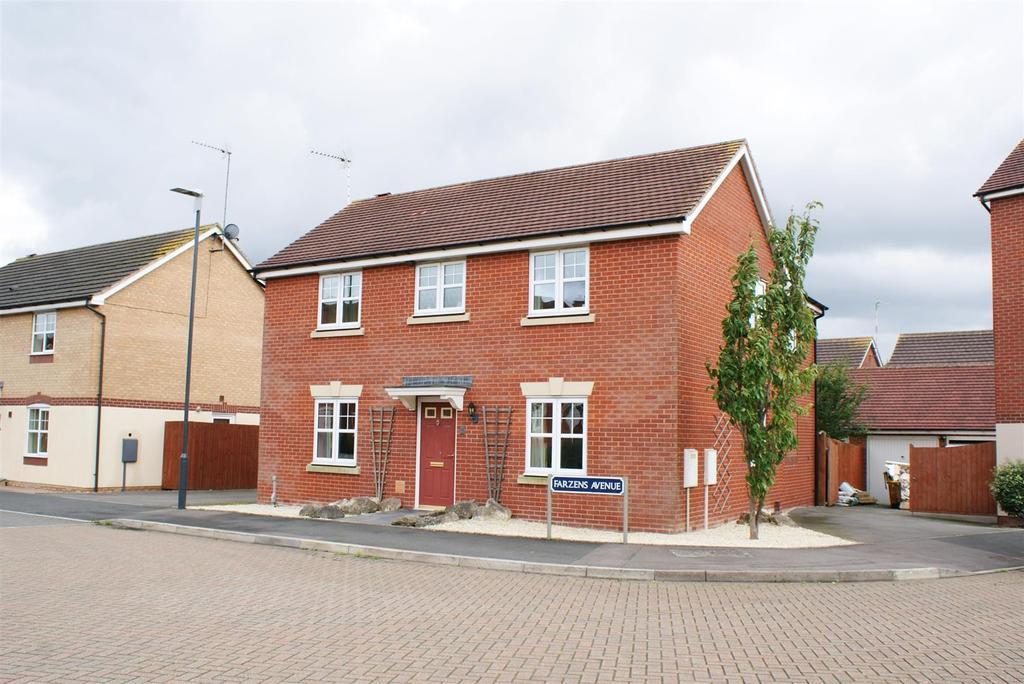 4 Bedrooms Detached House for sale in Farzens Avenue, Warwick