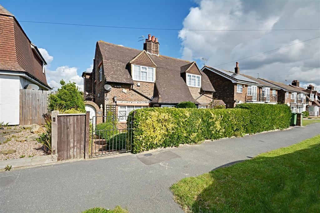 2 Bedrooms Semi Detached House for sale in Cooden Drive, Bexhill-On-Sea