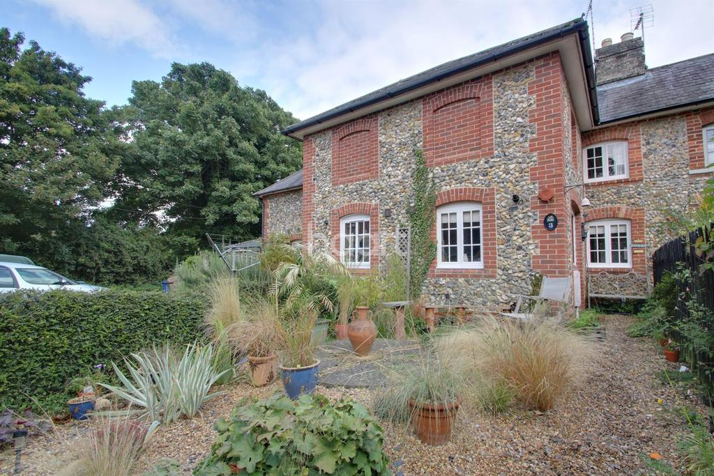 2 Bedrooms Cottage House for sale in School Lane, Fornham St Martin