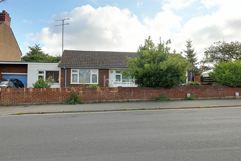 3 Bedrooms Bungalow for sale in Hayhurst Road, LU4