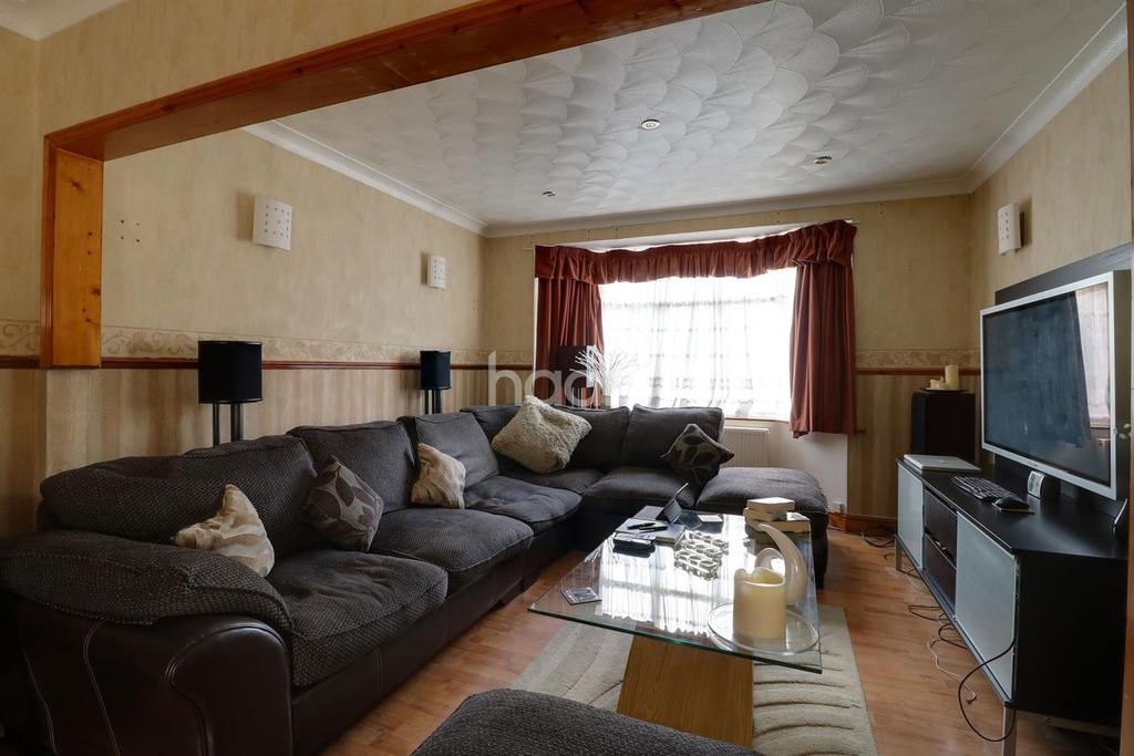 3 Bedrooms Semi Detached House for sale in Grange Road, Grays