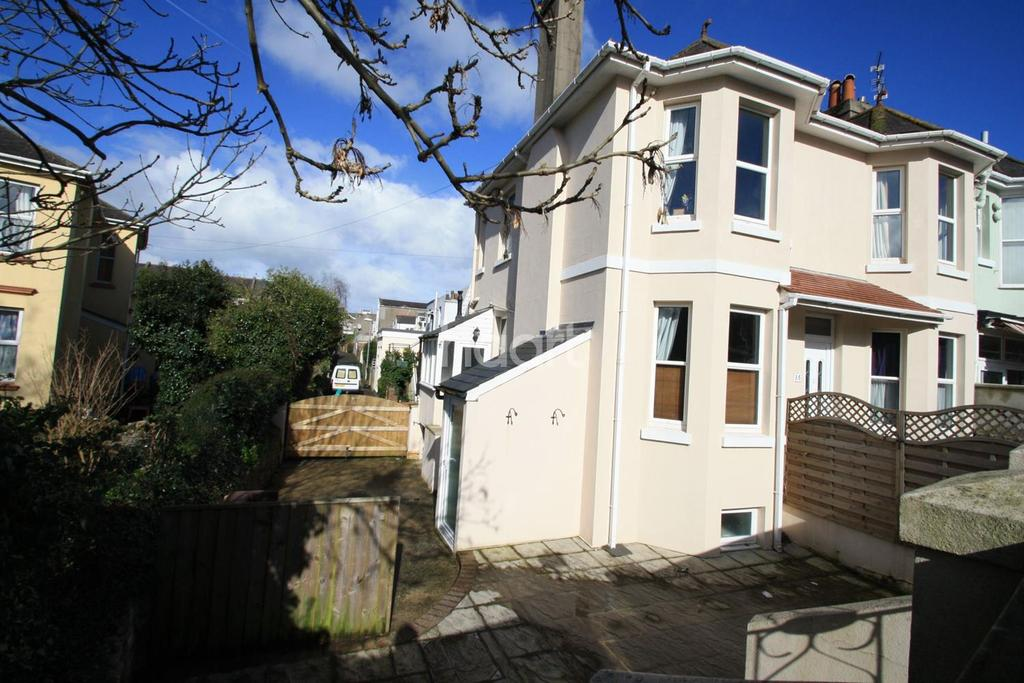 2 Bedrooms Flat for sale in St Annes Road, Torquay