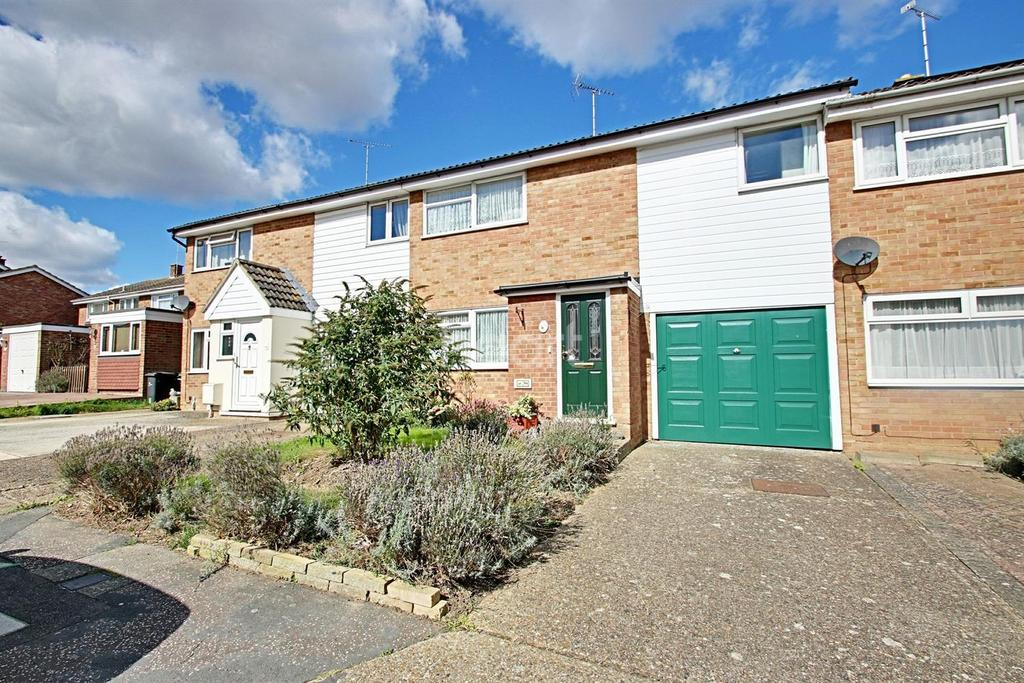 3 Bedrooms Terraced House for sale in Laburnum Way, Witham, CM8