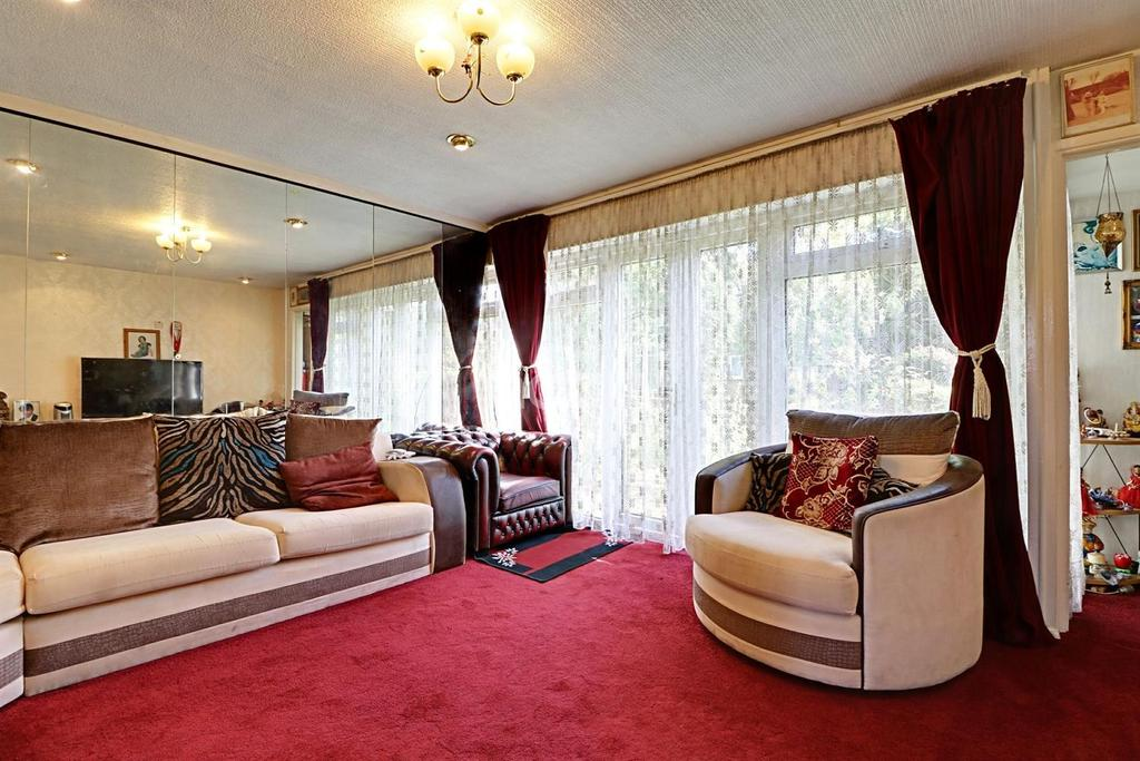 3 Bedrooms Terraced House for sale in Demeta Close, Wembley Park