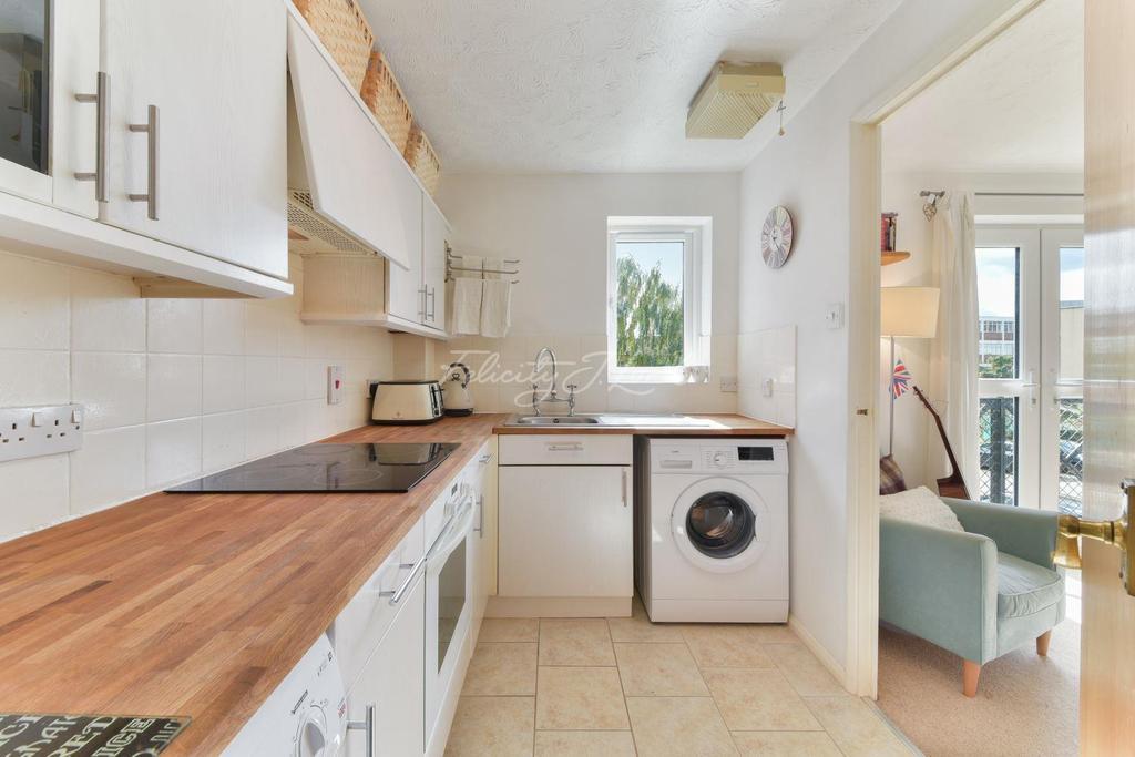 1 Bedroom Flat for sale in Northiam Street, Hackney, E9