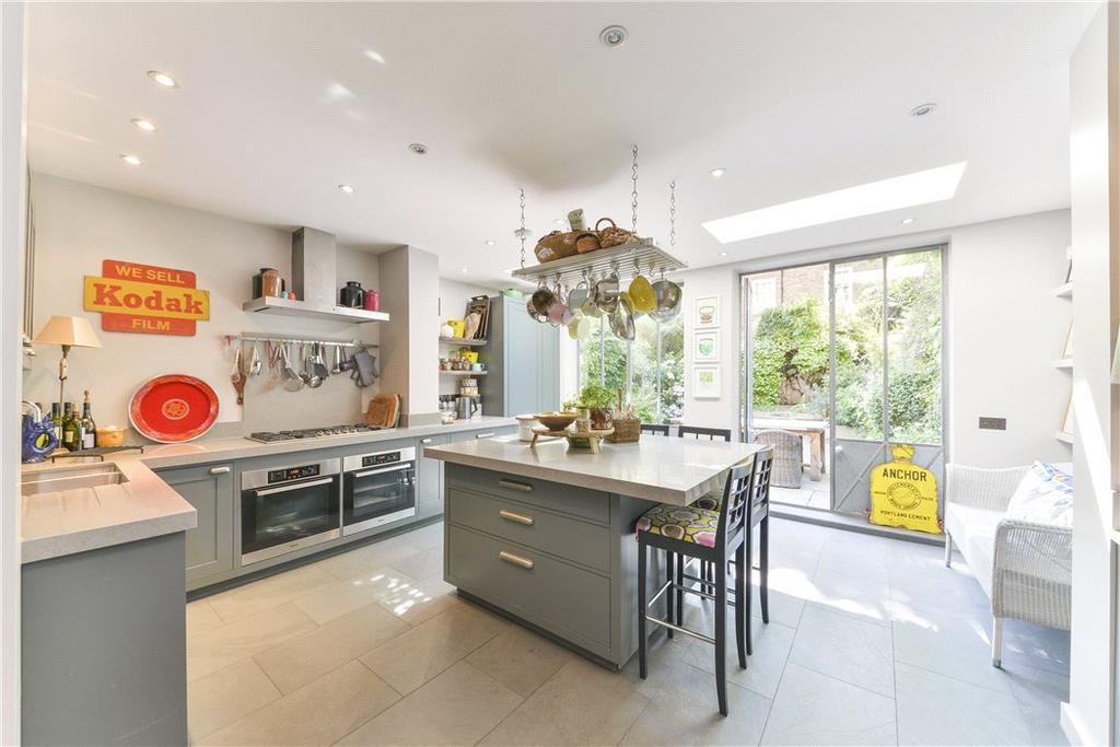 4 Bedrooms Semi Detached House for sale in Elm Park Road, Chelsea, London, SW3