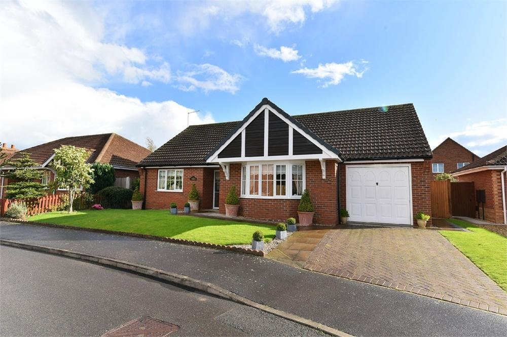 3 Bedrooms Detached Bungalow for sale in Casswell Drive, Quadring, Spalding, Lincolnshire