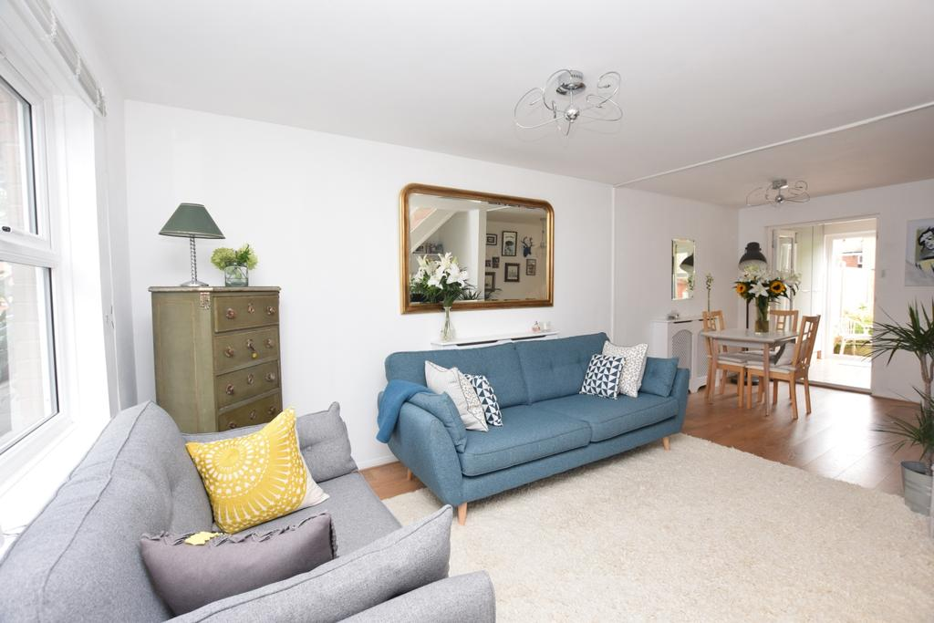 2 Bedrooms End Of Terrace House for sale in Trothy Road Bermondsey SE1