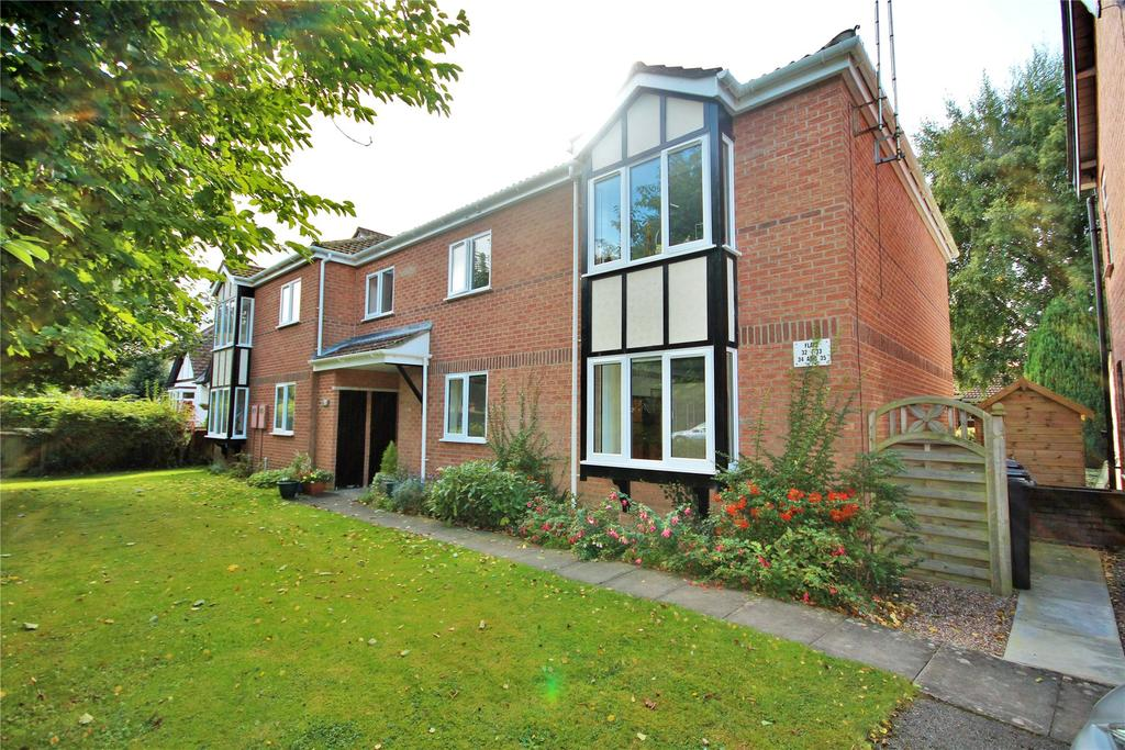 2 Bedrooms Flat for sale in Oaklands, Woodhall Spa, LN10