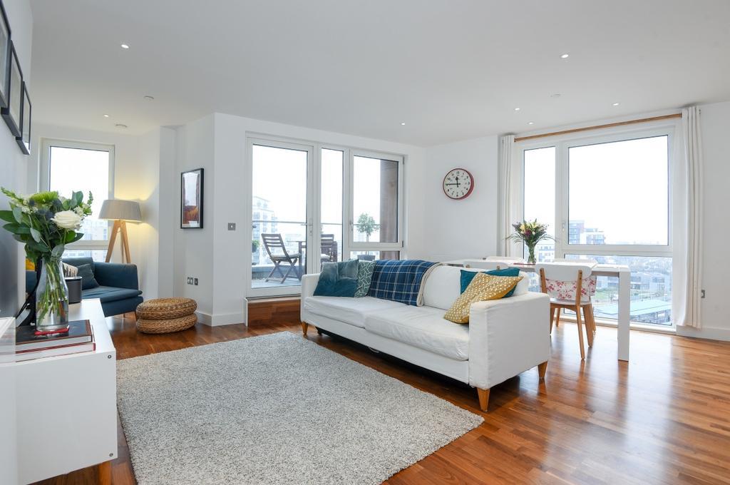 3 Bedrooms Flat for sale in John Donne Way Greenwich SE10