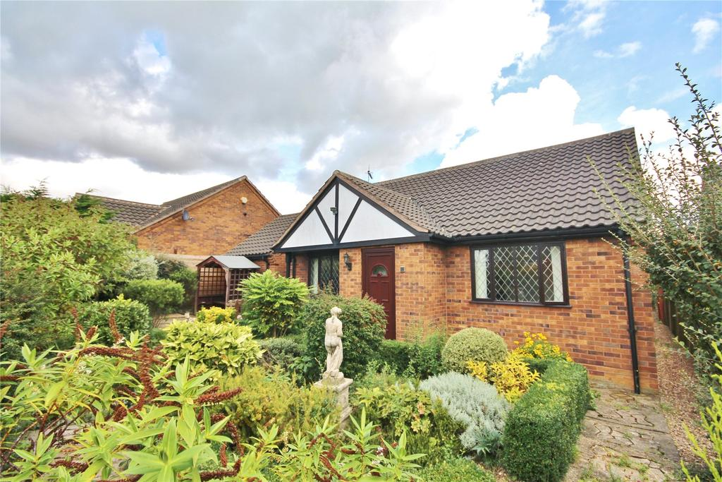 2 Bedrooms Detached Bungalow for sale in Hawkshead Grove, Lincoln, LN2