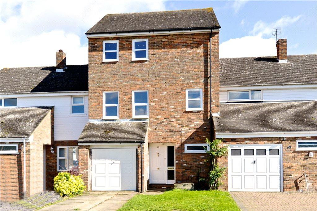3 Bedrooms Terraced House for sale in St. Georges Close, Toddington, Dunstable, Bedfordshire