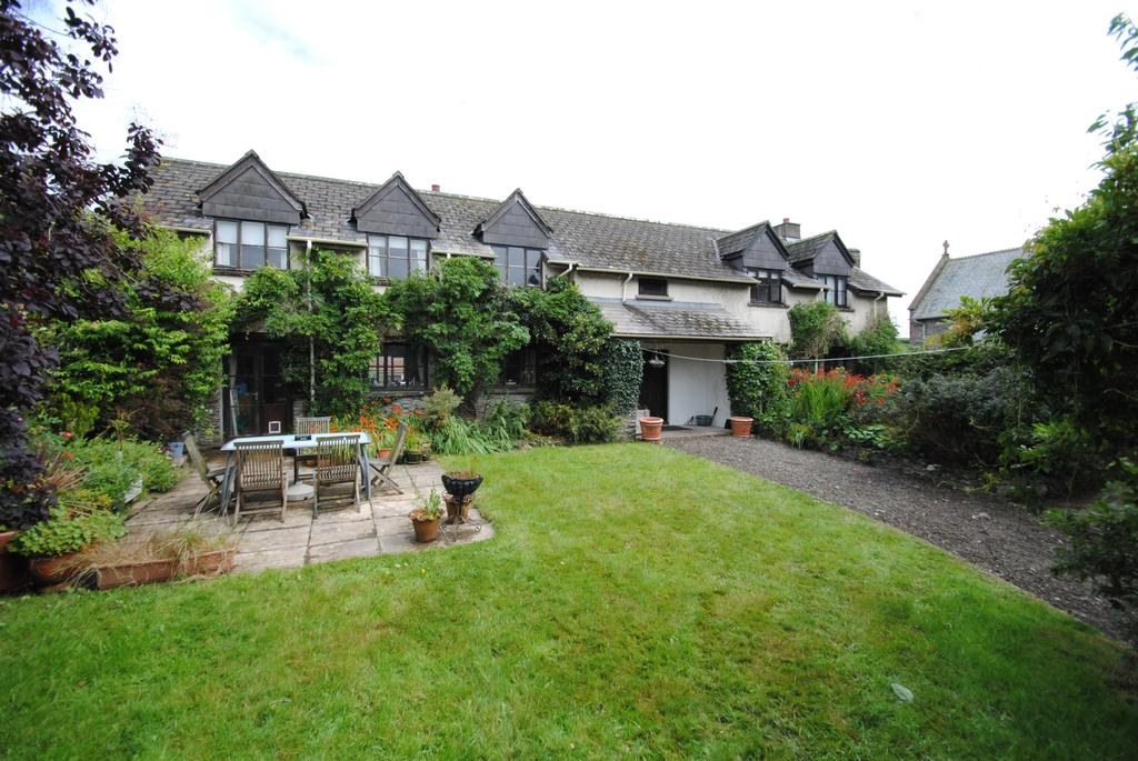 4 Bedrooms Detached House for sale in The Village, West Down