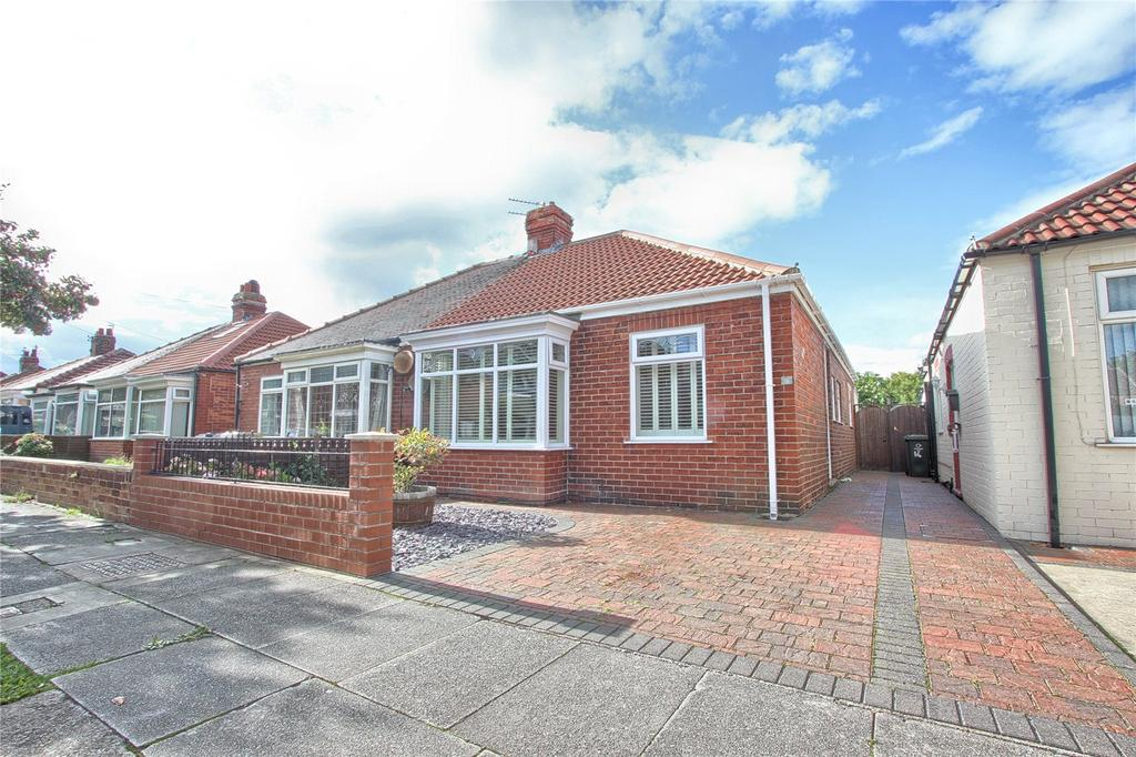 3 Bedrooms Semi Detached Bungalow for sale in Cypress Road, Redcar
