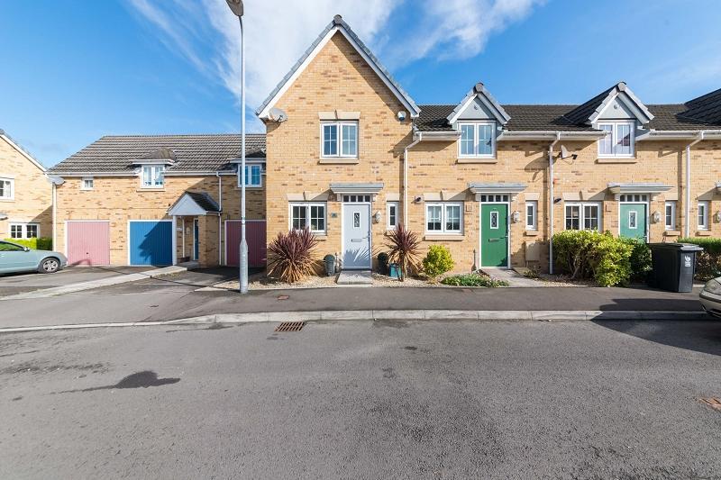 2 Bedrooms End Of Terrace House for sale in Schooner Close, Newport, Newport. NP10 8EZ
