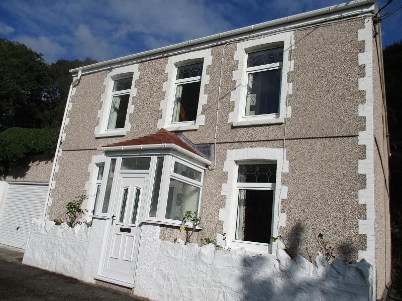 3 Bedrooms Detached House for sale in Fernfield , Baglan, port talbot, neath port talbot.