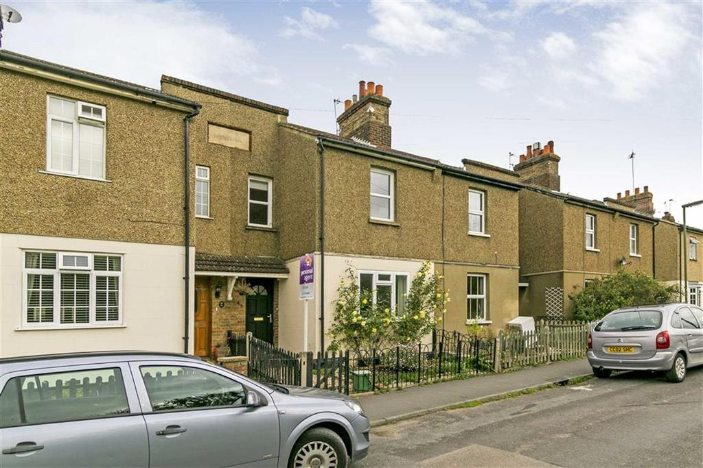 3 Bedrooms Terraced House for sale in Woodlands Road, Epsom, Surrey