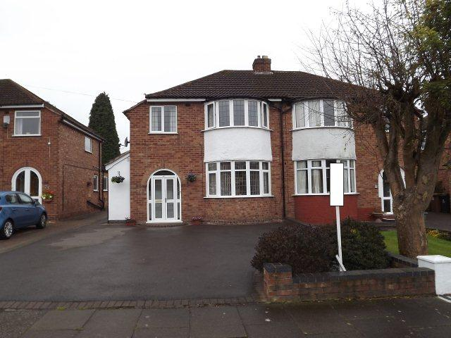 3 Bedrooms Semi Detached House for sale in Lindrosa Road,Streetly,Sutton Coldfield