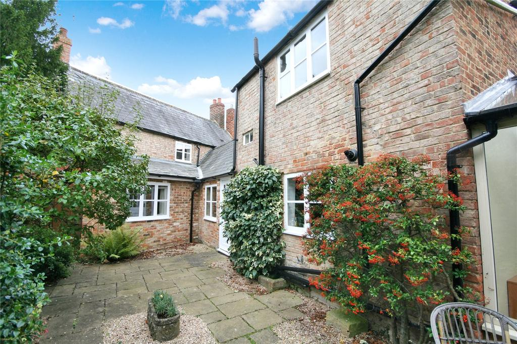 3 Bedrooms Cottage House for sale in The Burgage, Prestbury, Cheltenham, GL52