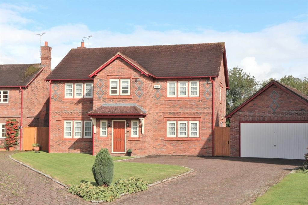 4 Bedrooms Detached House for sale in Roselands Court, Lavister, LL12