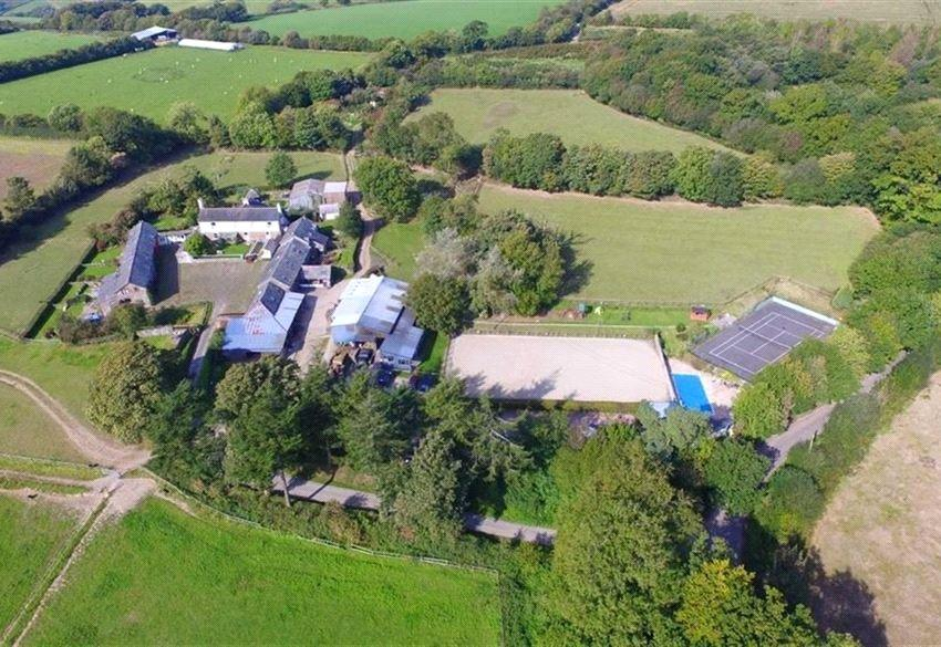 26 Bedrooms Equestrian Facility Character Property