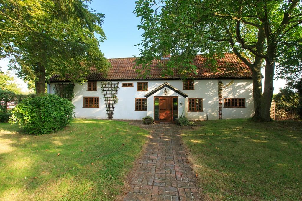 5 Bedrooms Farm House Character Property for sale in Long Road, Wymondham