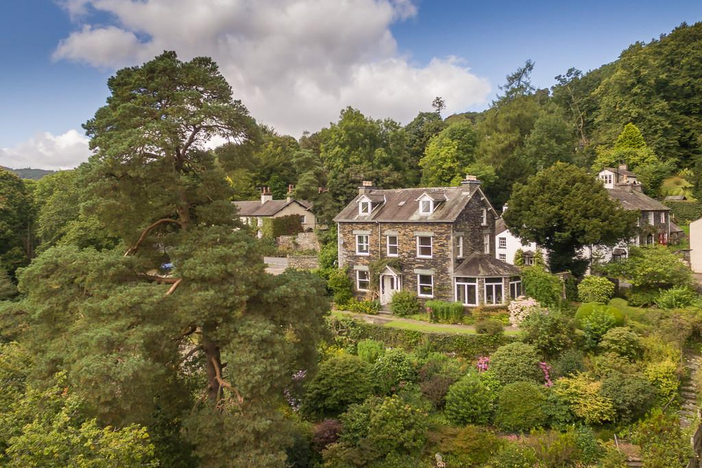 6 Bedrooms Detached House for sale in Yew Bank, Clappersgate, Ambleside LA22 9LE