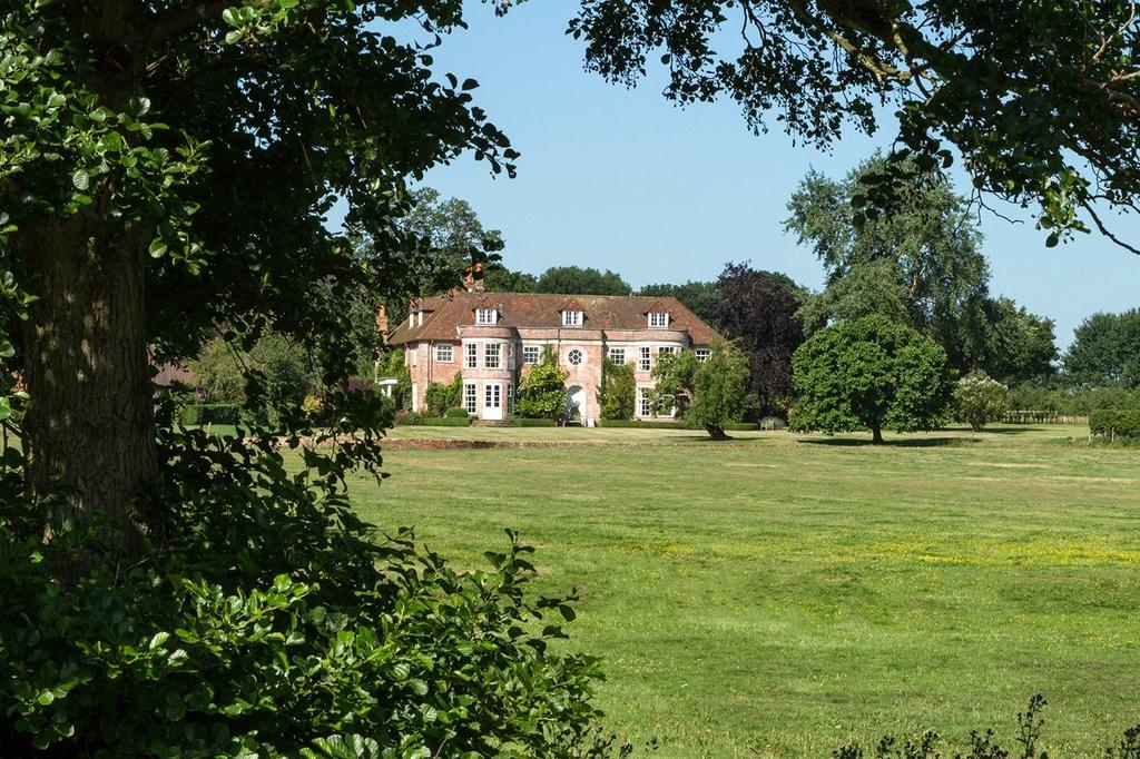 7 Bedrooms Country House Character Property for sale in Hound Green, Hook, Hampshire
