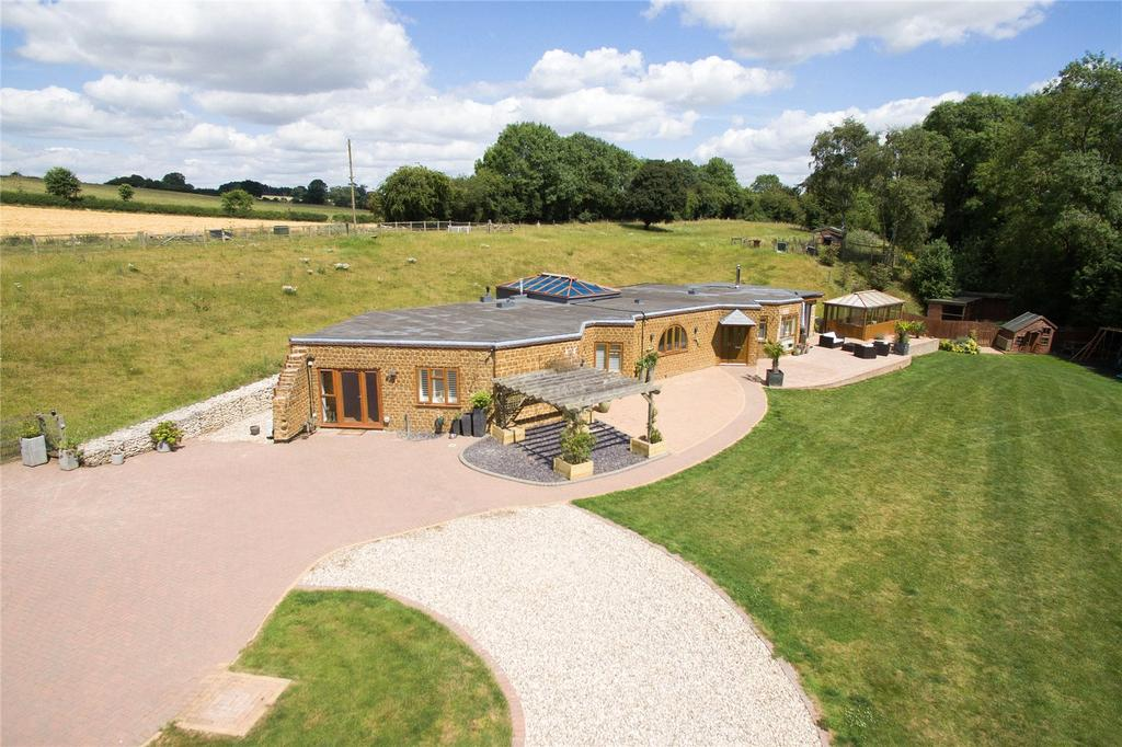 3 Bedrooms Detached House for sale in Chacombe, Banbury, Northamptonshire