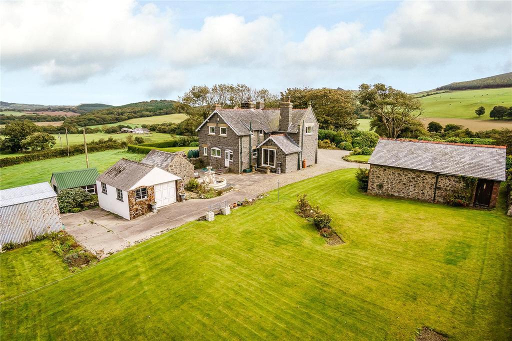 4 Bedrooms Detached House for sale in Boduan, Pwllheli, Gwynedd