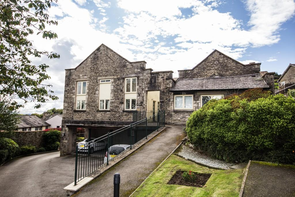 1 Bedroom Terraced House for sale in 8 Gardiner Bank, Windermere Road, Kendal, LA9 4SL