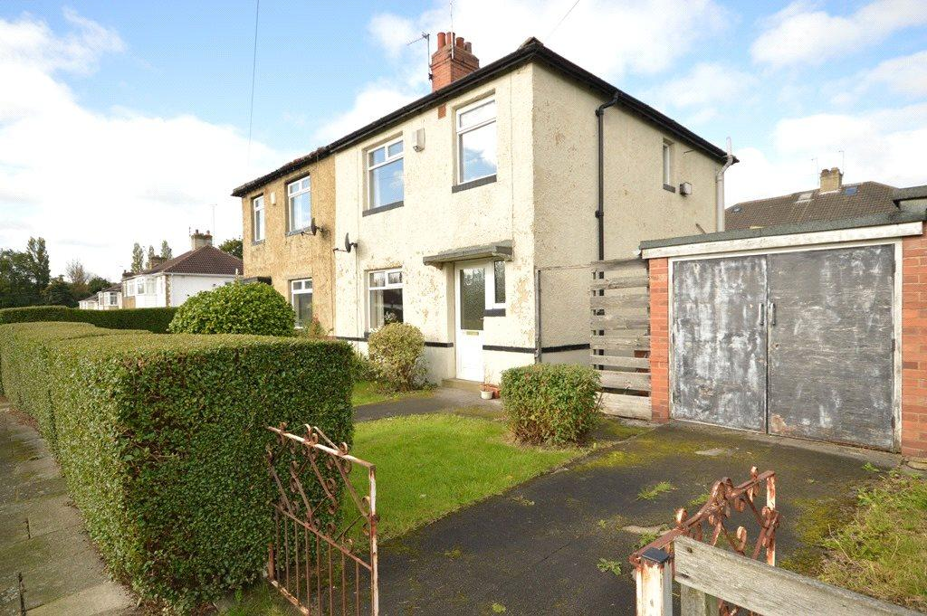 3 Bedrooms Semi Detached House for sale in Vesper Walk, Kirkstall, Leeds