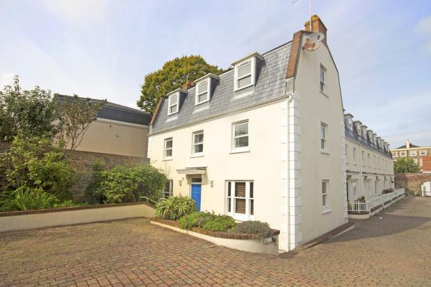 4 Bedrooms Detached House for sale in Les Fontenelles Mews, Mount Hermon, St. Peter Port, Guernsey